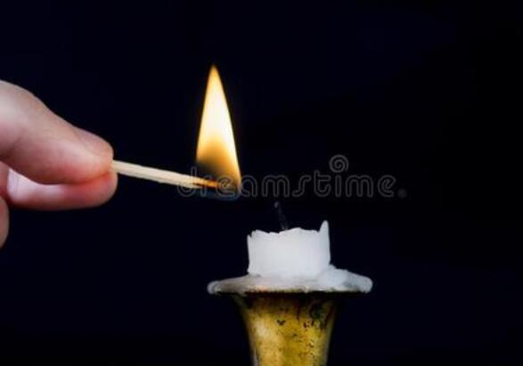 蜡烛为什么会燃烧?蜡烛为什么会冒黑烟?