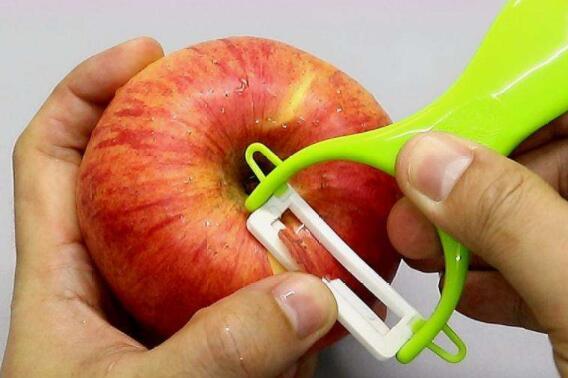 苹果削皮吃