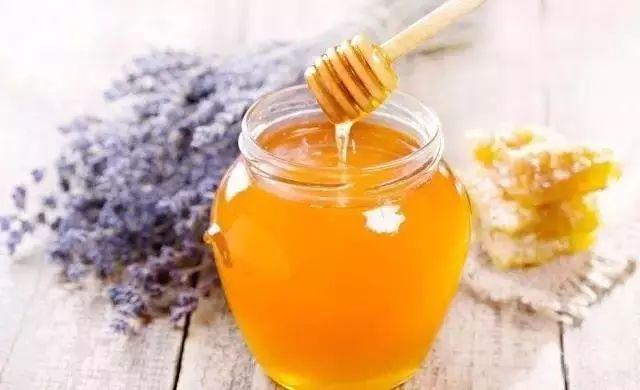 辨别蜂蜜真假四种方法_吃蜂蜜的好处有哪些?